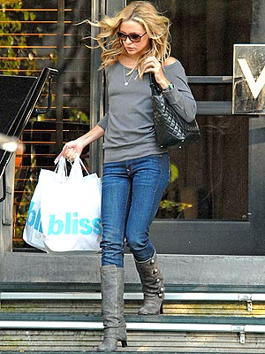 Kate Hudson's Button-up Boots