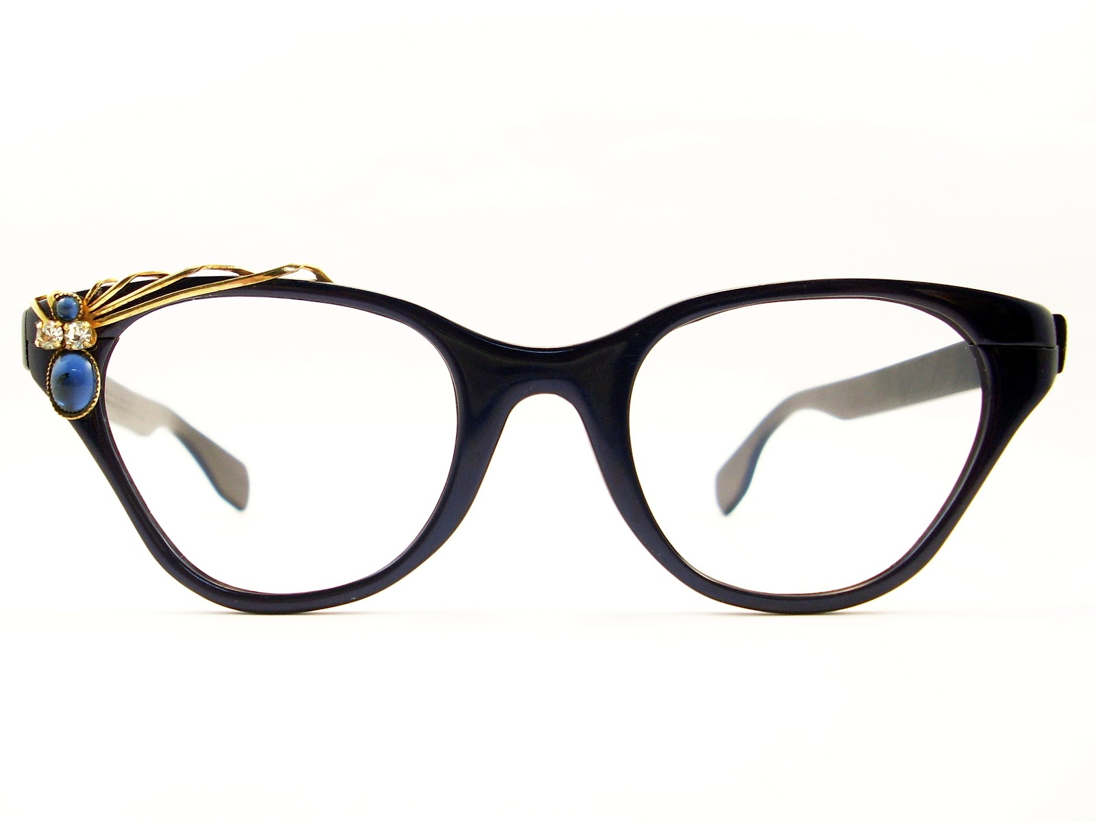 Four Trendy Eyewear Frames to Kick up Your Style - Steal The Style