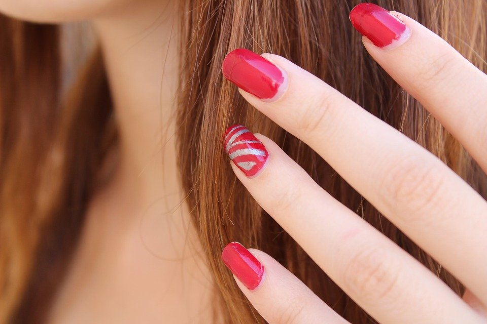 7 Amazing Biotin Benefits for Your Hair and Nails