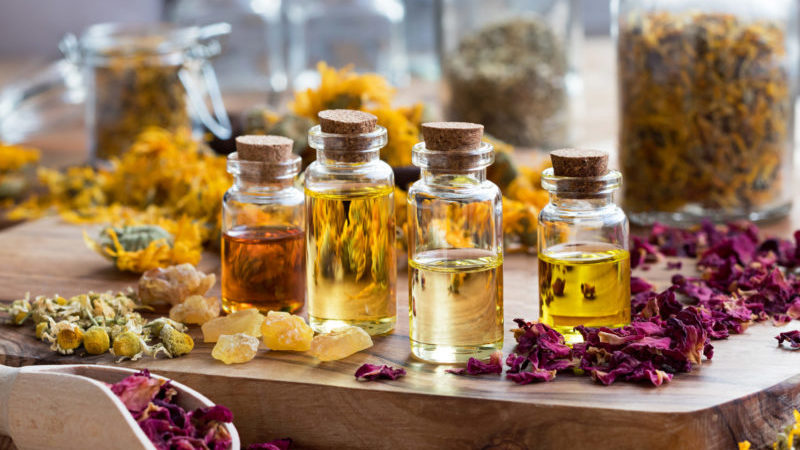 How to Use an Essential Oil Bracelet: 7 Tips